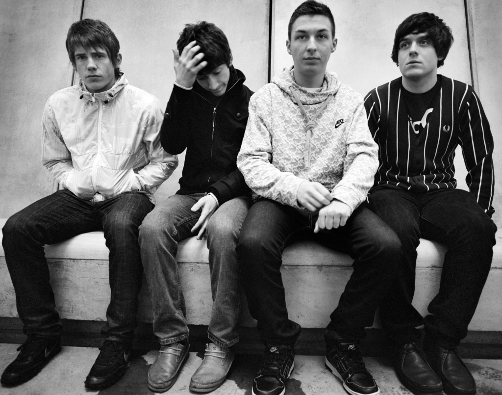 http://philspector.files.wordpress.com/2009/03/arctic-monkeys.jpg